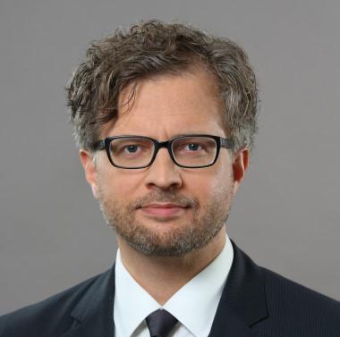 Dr. JÖRG KAUFMANN, LL.M.